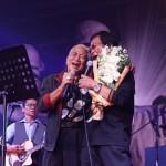 MUSISI LEGENDARIS : Nomo dan Yon Sapa Penggemar Koes Plus