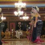 KONFLIK KERATON SOLO : Jalankan Pemerintahan di Keraton, PB XIII Bikin Lembaga Baru