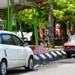 TRANSPORTASI SEMARANG : Mobil Parkir di Sekitar Halte, Pengelola BRT Mengeluh
