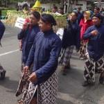 TRADISI KULONPROGO : Penjor Jadi Wujud Syukur 70 Tahun Usia Desa Banjararum