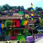 INFRASTRUKTUR SEMARANG : Warna-Warni Kampung Pelangi Bikin Netizen Terpesona