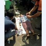 Anggota Polresta Solo melakukan olah tempat kejadian perkara (TKP) di lokasi penemuan mayat di parkiran bus kawasan BTC Gladak, Kedunglumbu, Pasar Kliwon, Solo, Sabtu (29/4/2017). (Istimewa)