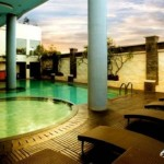 HOTEL DI JOGJA : Pool Promotions Ros In Hotel
