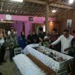 MBAH GOTHO MENINGGAL : Begini Suasana Pemakaman Manusia Tertua Dunia dari Sragen