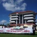 Status Tak Jelas, 250 Pegawai UPN Veteran Jogja Mogok Kerja