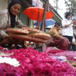 Naik 4 Kali Lipat, Harga Bunga Tabur di Pasar Kembang Solo Tembus Rp200.000/Ikat