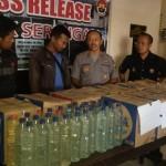 MIRAS SOLO : Hendak Kirim 780 Liter Ciu ke Kendal, 2 Warga Mojolaban Ditangkap