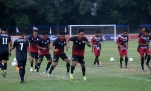 Pemain Persis Solo mengikuti sesi latihan di Stadion Sriwedari, Solo, Selasa (16/5). (JIBI/Solopos/Nicolous Irawan)