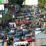 DEMO SUKOHARJO : Mahasiswa UMS Berdemo di Jalan, Lalu Lintas Terganggu