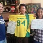Alhamdulillah Lanang Anakku (tengah) bersama ayah dan ibunya (Okezone.com)
