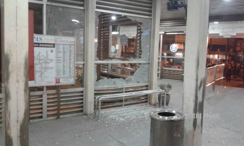 Lokasi ledakan di Terminal Kampung Melayu (Twitter @TMCPoldametrojaya)
