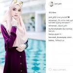 TRENDING SOSMED : Cantik Bak Model, Guru Agama Ini Jadi Idola Warganet