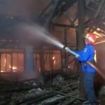 KEBAKARAN SOLO : Terdengar 5 Kali Ledakan! Gudang Sembako Mojosongo Terbakar