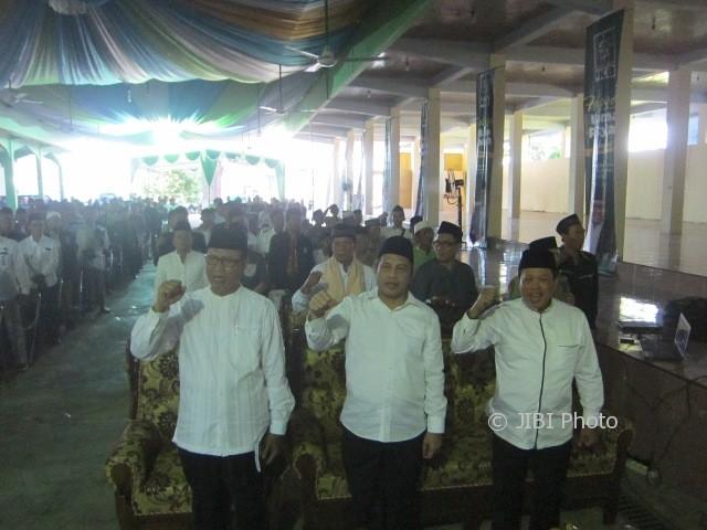 Calon Gubernur Jateng asal PKB, Marwan Jafar (paling depan, dua dari kanan), blusukan ke Pondok Pesantren (Ponpes) Al Barokah di Gunting, Wonosari, Klaten, Sabtu (13/5/2017) siang. (Ponco Suseno/JIBI/Solopos)