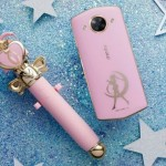 Limited Edition! Meitu M8 Pakai Tema Sailor Moon & Hello Kitty