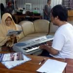 KISAH INSPIRATIF : Siti Sudjarahwati Terima Apresiasi Seni yang Sepi (3/4)