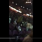 Situasi di dalam Manchester Arena sesaat sebelum ledakan di lokasi konser Ariana Grande itu, Senin (22/5/2017) waktu setempat. (Twitter)