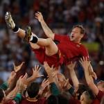 Wow! Jersey Francesco Totti Diluncurkan ke Luar Angkasa