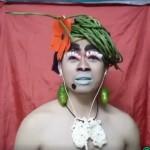 VIDEO UNIK : Pria Ini Pakai Aksesoris Sayuran Saat Live Smule