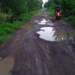 WISATA SEMARANG : Jalan Rusak, Wisatawan Ogah ke Pantai Maron