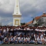 Rayakan Kelulusan, Ratusan Siswa SMA Longmarch dan Doa Bersama di Tugu Jogja
