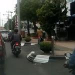 LALU LINTAS SEMARANG : Duh, Trotoar di Jl. Pemuda Jadi Lintasan Motor