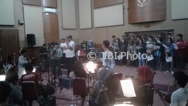 Proses rekam ulang lagu Indonesia Raya, di Studio Lokananta Solo, Jumat (19/5/2017). (Ika Yuniati/JIBI/Solopos)