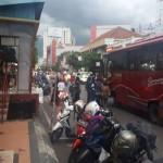 PARKIR SEMARANG : Duh, Selter BRT Jadi Tempat Parkir Lagi, Netizen Kian Jengkel