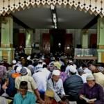 FOTO RAMADAN 2017 : Khusyuk di Masjid Agung Kauman Semarang