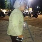 KISAH TRAGIS : Mengamen di Usia Renta, Nenek-Nenek di Semarang Sita Rasa Iba