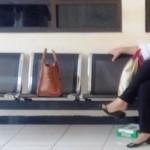 BUPATI KLATEN DITANGKAP KPK : Usir Bosan di Penjara, Sri Hartini Badminton