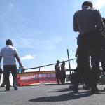 TOL SOLO-KERTOSONO : Uang Kompensasi Belum Cair, Warga Blokade Tol Soker di Boyolali