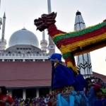FOTO TRADISI SEMARANG : Padatnya Hari Kedua Pawai Dugderan