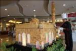 RAMADAN 2017 : Ada Miniatur Masjid Setinggi 2,5 Meter dari Roti di Hotel Ini