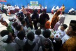 PENDIDIKAN SOLO : Siswa SD Islam Al Fattah Solo Jual Parcel Murah
