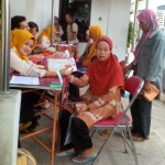 BANTUAN SOSIAL KARANGANYAR : Warga Lansia Kesulitan Gunakan Uang Bantuan dari Program Keluarga Harapan