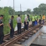 MUDIK LEBARAN 2017: Cegah Sabotase, Polisi Cek Jalur Rel Kereta Api di Sukoharjo
