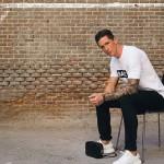 Libur Akhir Musim, Fernando Torres Jadi Model
