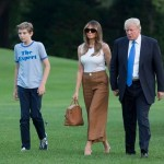Barron, Melania Trump, dan Donald Trump tiba di Gedung Putih (Time.com)