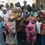 RAMADAN 2017 : Buka Puasa dan Tarawih Bareng Warga, Bupati Kendal Disanjung