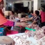 HARGA KEBUTUHAN POKOK : Sapi Bertahan, Ayam Turun