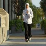 TIPS HIDUP SEHAT : Tetap Bugar Saat Puasa? Lakukan 6 Olahraga Ringan Ini