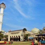 Muncul Kabar Hoax Menara Masjid Raya Bandung Roboh, Warga Panik & Berhamburan