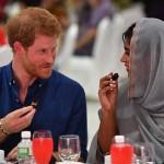 Pangeran Harry buka bersama komunitas muslim di Singapura. (Istimewa/Dailymail.co.uk)