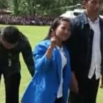 VIDEO UNIK : Ini yang Dilakukan Paspampres Agar Warga Tak Peluk Presiden