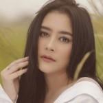 KABAR ARTIS : Nekat Shooting Saat Sakit, Prilly Latuconsina Dinasihati