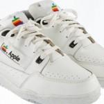 Sepatu Kets Besutan Apple Dilelang Rp195 Juta