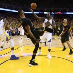 Warriors Pimpin 2-0 Atas Cavs di NBA Finals