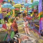 WISATA SEMARANG : Dewi Sandra Sambangi Kampung Pelangi, Warganet Bangga