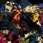 FOTO RAMADAN 2017 : Sepi Pembeli, Bunga Turun Harga